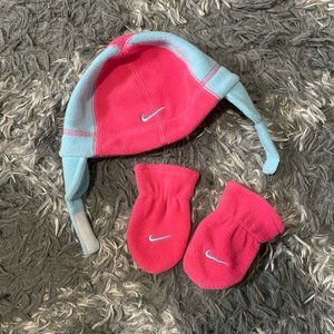 Baby Girls Nike winter hat and gloves set